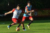 SAO PAULO, 10 DE JUNHO DE 2013 - TREINO SAO PAULO - O jogador Aloisio durante treino do Sao Paulo, no CT da Barra Funda, na tarde desta segunda feira, 10, região oeste da capital. (FOTO: ALEXANDRE MOREIRA / BRAZIL PHOTO PRESS)