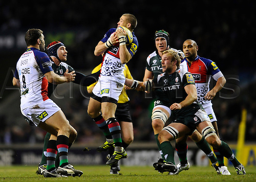 27.12.2010 Aviva Premiership Rugby from Twickenham. Harlequins v London Irish. Harlequins Full Back (#15) Mike Brown takes the high ball in the first half