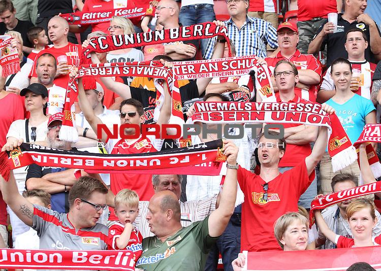 18.07.2015, Stadion an der Wuhlheide, Berlin, GER, 2.FBL, 1.FC UNION BERLIN VS. CRYSTAL PALACE, im Bild Unionfans (1.FC Union Berlin)<br /> <br /> Foto Juergen Engler<br /> Foto &copy; nordphoto /  Engler