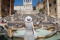Rome continue to be one of the most visited city in the world..Roma continua ad essere una delle città più visitata al mondo..Tourists on the Spanish steps..Turisti sulla scalinata di Spagna
