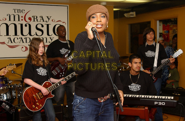 MACY GRAY.Hosts an open house for her new M. Gray Music Academy in North Hollywood, California.  .October 23, 2005.Ref: DVS.half length performing singing hat black top singing music band.www.capitalpictures.com.sales@capitalpictures.com.Supplied By Capital PIctures