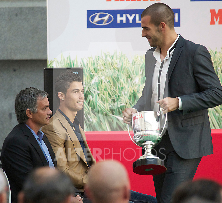 Premios Marca del Futbol 2011. Alvaro Negredo, Spain's best scorer, and Cristiano Ronaldo and Jose Mourinho...Photo: Cesar Cebolla / ALFAQUI