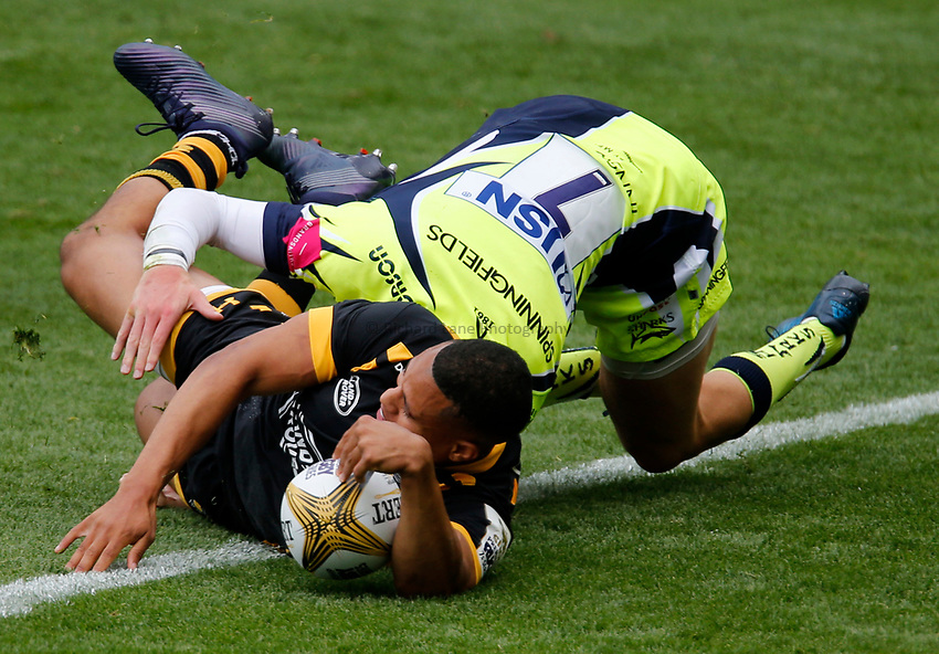 Photo: Richard Lane/Richard Lane Photography. Singha Premiership Rugby 7s, Wasps v Sale Sharks. Cup Quarter Final. 29/07//2017. Wasps' Marcus Watson goes in for a try.