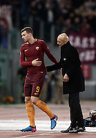 Calcio, Serie A: Roma, stadio Olimpico, 19 febbraio 2017.<br /> Roma's Edin Dzeko (l) greets his coach Luciano Spalletti (r) as he leaves the field during the Italian Serie A football match between As Roma and Torino at Rome's Olympic stadium, on February 19, 2017.<br /> UPDATE IMAGES PRESS/Isabella Bonotto