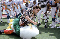 Ace Ventura: Pet Detective (1994) <br /> Jim Carrey<br /> *Filmstill - Editorial Use Only*<br /> CAP/KFS<br /> Image supplied by Capital Pictures