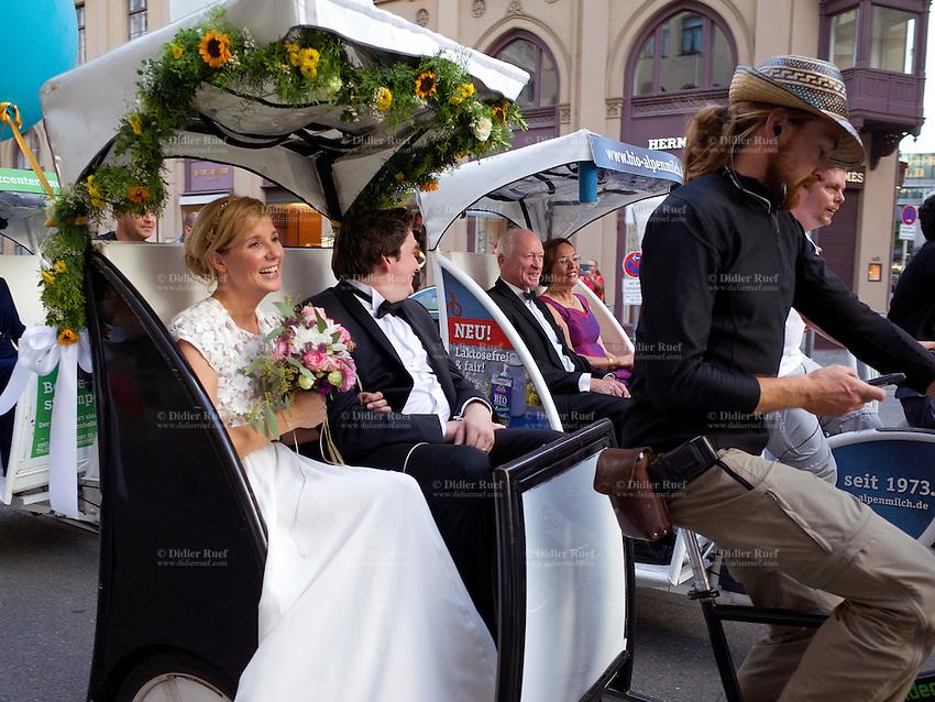 Munich Wedding Couple Love Cycle Rickshaw Transport Tourism