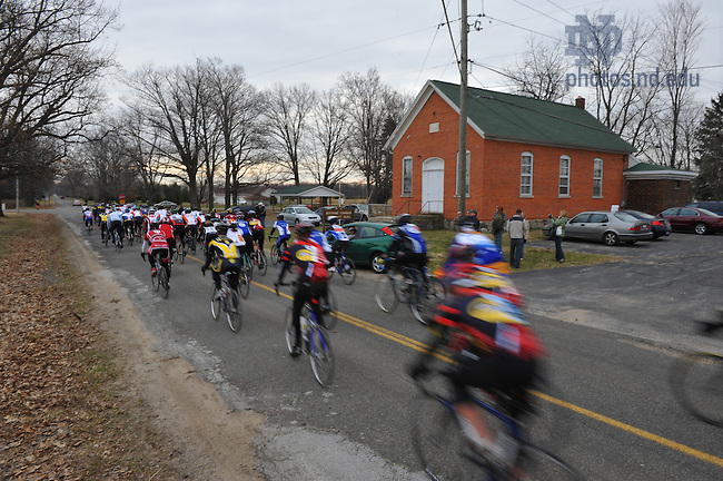 The Notre Dame Cycling team rides in a road course race near Buchanan, Michigan...Photo by Matt Cashore..