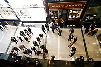 NOVA YORK, EUA, 24.10.2018 - SEGURANÇA-EUA - Policia isola região onde um pacote suspeito foi encontrado do escritório da CNN próximo ao Columbus Circle em New York nesta quarta-feira, 24. (Foto: Vanessa Carvalho/Brazil Photo Press)