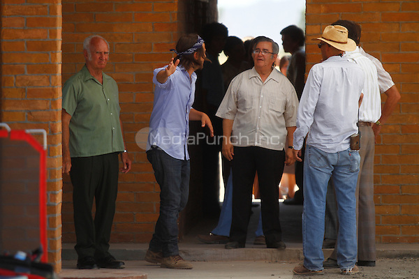 Diego Luna on the set of Chavez filming on location in 30 minutes from the Mexican capital on the coast of Hermosillo. June 5, 2012. Credit: Baldemat de los Llanos/NortePhoto/MediaPunch Inc. ***NO MEXICO**NO SPAIN**NO GERMANY**NO AUSTRIA***