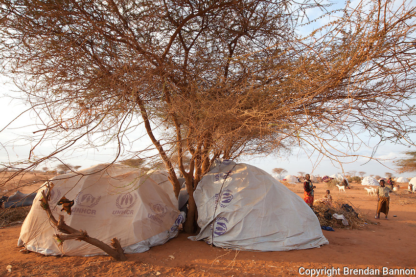 Somali refugees in self made temporary tukols in the informally settled area surrounding Ifo camp, one of the three camps surrounding the Kenyan Town of Dadaab.
