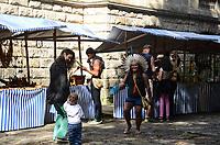 RIO DE JANEIRO, RJ, 04.08.2018 - COTIDIANO-RJ - Festival cultural indigena qua celebra o Dia Internacional dos Povos Indigenas é realizado em parceria com a Associação Indigena Aldeia Maracanã (AIAM) e a Secretaria de Estado de Cultura e a Escola de Artes Visuais do Parque Lage, zona sul , Rio de Janeiro, neste sábado, 04 (Foto: Vanessa Ataliba/Brazil Photo Press)