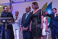 PARNAÍBA - PI - 24.02.2014 - INAUGURAÇÃO PARNAÍBA SHOPPING -Na foto o ex Governador e Senador pelo Piauí Freitas Neto e sua esposa durante a inauguração do Parnaíba Shopping. Artistas políticos e autoridades compareceram à inauguração de shopping na cidade de Parnaíba no PI na noite desta segunda-feira 24, o shpping é o primeiro shoppin center da cidade e tem como dono o ex Governador, ex Senador pelo Piauí, Freitas Neto. (Foto: Jardiel Carvalho/Brazil Photo Press).