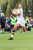 10th September 2017, Sixways Stadium, Worcester, England; Aviva Premiership Rugby, Worcester Warriors versus Wasps; Josh Bassett of Wasps jumps to collect the ball running in to the corner