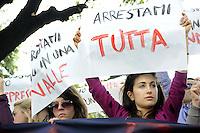 Roma, 18 Maggio 2012.Piazza Indipendenza, ambasciata di Germania.Protesta contro la repressione e gli arresti di Francoforte.Cartelli contro l'asse Berlino- Italia, la BCE e la Merkel.