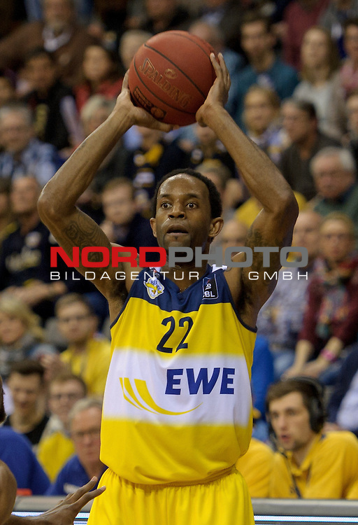 29.03.2015, EWE Arena, Oldenburg, GER, BBL, EWE Baskets Oldenburg vs Artland Dragons, im Bild Julius Jenkins (Oldenburg #22)<br /> <br /> Foto &copy; nordphoto / Frisch
