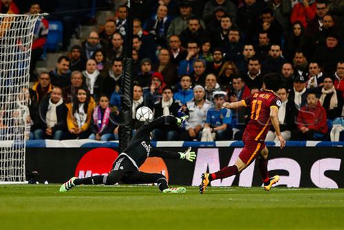 08.03.2016 Estadio Santiago Bernabeu, Madrid, Spain. UEFA Champions League Real Madrid CF versus AS Roma.   Keylor Navas Gamboa (1) Real Madrid is beaten by the shot from Mohamed Salah (11) Roma.