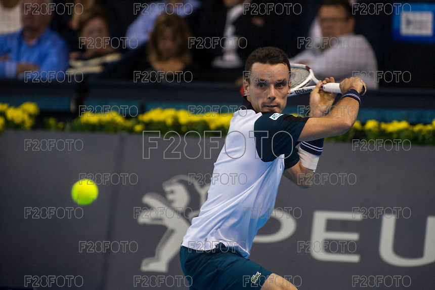 VALENCIA, SPAIN - OCTOBER 28: Roberto Bautista Agut during Valencia Open Tennis 2015 on October 28, 2015 in Valencia , Spain