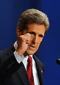 Coral Gables, FL - September 30, 2004 -- Democratic challenger United States Senator John F. Kerry (Democrat of Massachusetts) emphases a point as he debates United States President George W. Bush in the first of their three scheduled meetings at the University of Miami in Coral Gables, Florida on September 30, 2004..Credit: Ron Sachs / CNP