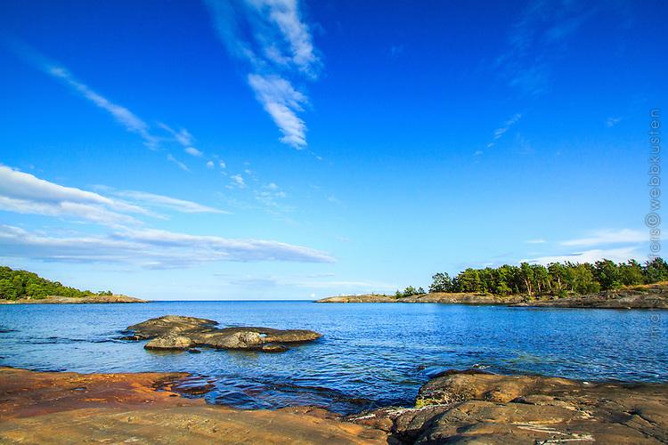 Urberg vid havet på Utö i Stockholms skärgård