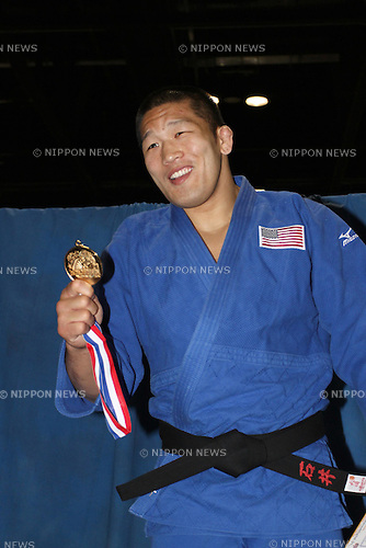 Satoshi Ishii (JPN),APRIL 30th, 2011 - Judo :Satoshi Ishii of Japan is won open class then gets the Gold medal at Orange County Convention Center in Orlando, Florida, USA. (Photo by Thomas Anderson/AFLO) (JAPANESE NEWSPAPER OUT)