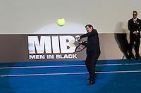 MADRI, ESPANHA, 14 DE MAIO 2012 - PREMIERE HOMENS DE PRETO III - O ator Josh Brolin durante pre estréia do filme Homens de Preto III, em Madri capital da Espanha, na noite de ontem domingo, 13. (FOTO: MIGUEL CORDOBA / ALFAQUI / BRAZIL PHOTO PRESS).