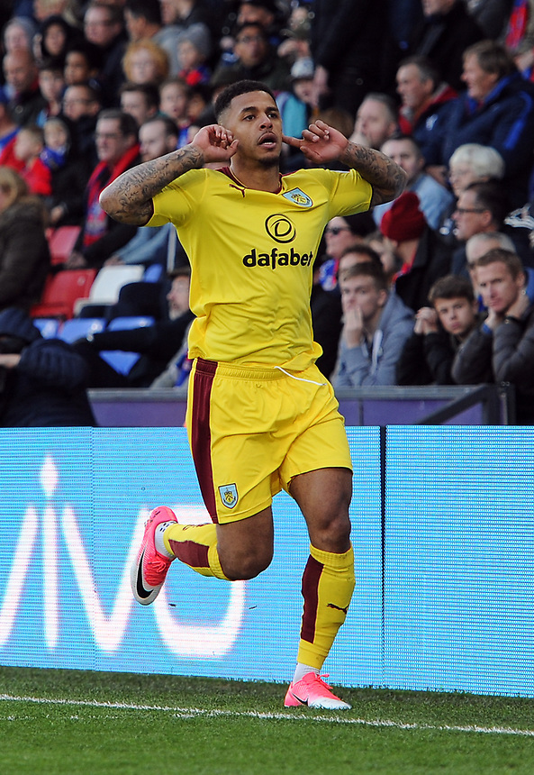 Burnley's Andre Gray scores his sides second goal <br /> <br /> Photographer Ashley Western/CameraSport<br /> <br /> The Premier League - Crystal Palace v Burnley - Wednesday 26th April 2017 - Selhurst Park - London<br /> <br /> World Copyright &not;&copy; 2017 CameraSport. All rights reserved. 43 Linden Ave. Countesthorpe. Leicester. England. LE8 5PG - Tel: +44 (0) 116 277 4147 - admin@camerasport.com - www.camerasport.com