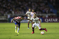 BARRANQUILLA, COLOMBIA - MARCH 04: Flamengo Everton Augusto de Barros Ribeiro (R) fights for the ball against Gabriel Fuentes (L) during the group A match of Copa CONMEBOL Libertadores between Junior and Flamengo at Estadio Metropolitano on March 4, 2020 in Barranquilla, Colombia. (Photo by Daniel Munoz/VIEW press via Getty Images)