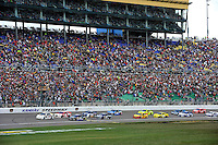 Cars line up for the start led by polesitter Kevin Harvick (#29)