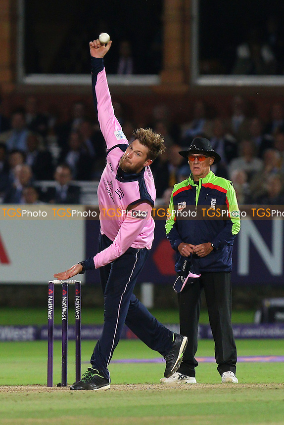 Ollie Rayner in bowling action for Middlesex during Middlesex vs Essex Eagles, NatWest T20 Blast Cricket at Lord's Cricket Ground on 28th July 2016