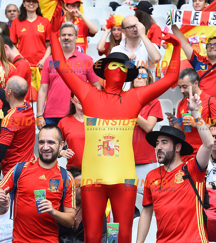 Tifosi Spagna Fans Spain <br /> Paris 27-06-2016 Stade Saint Denis <br /> Football Euro2016 Italy - Spain / Italia - Spagna Round of 16 / Ottavi di finale<br /> Foto Massimo Insabato / Insidefoto