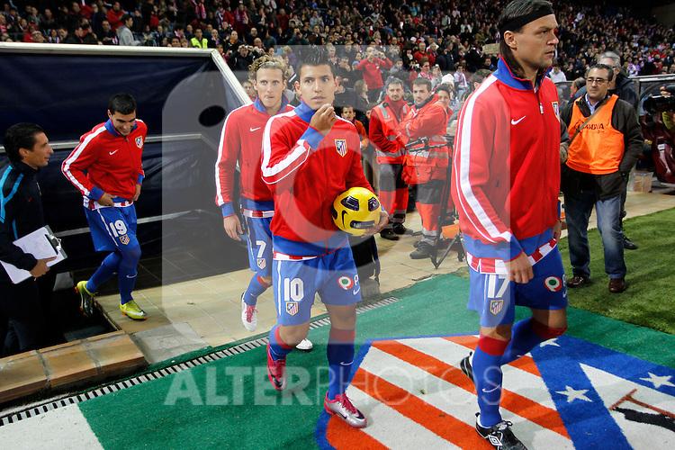 Madrid (31/10/10).- Estadio Vicente Caldeon..Campeonato Nacional de Liga..Atco. Madrid 1- Almeria 1..Ujfalusi, Kun Aguero y Forlan...©Alex Cid-Fuentes/ ALFAQUI..