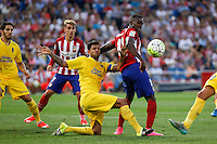 Atletico de Madrid´s Griezmann and Jackson Martinez and Las Palmas´s Aythami during 2015-16 La Liga match at Vicente Calderon stadium in Madrid, Spain. MONTH XX, 2015. (ALTERPHOTOS/Victor Blanco)