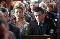 Mystic River (2003)<br /> Sean Penn &amp; Laura Linney<br /> *Filmstill - Editorial Use Only*<br /> CAP/KFS<br /> Image supplied by Capital Pictures