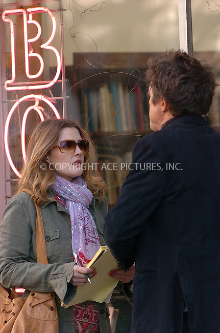 WWW.ACEPIXS.COM . . . . .  ....December 6, 2006, New York City. ....Hugh Grant and Drew Barrymore filming a scene of their latest movie 'Music and Lyrics'. ....Please byline: AJ Sokalner - ACEPIXS.COM..... *** ***..Ace Pictures, Inc:  ..(212) 243-8787 or (646) 769 0430..e-mail: info@acepixs.com..web: http://www.acepixs.com