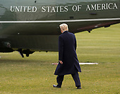 U.S. President Donald J. Trump departs the White House in Washington, DC, December 22, 2017 en route Mar-a-Lago in Palm Beach FL for his Christmas break after signing tax overhaul and budget bills. Credit: Chris Kleponis / CNP