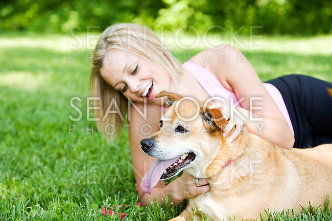 Series with girls walking and playing in a park in Spring, with a dog.