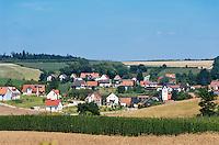Deutschland, Bayern, Oberbayern, Hopfenanbaugebiet Hallertau (Holledau), Niederlauterbach liegt in der Gemeinde Wolnzach und im Landkreis Pfaffenhofen an der Ilm | Germany, Upper Bavaria, hop-planting area Hallertau (Holledau), village Niederlauterbach