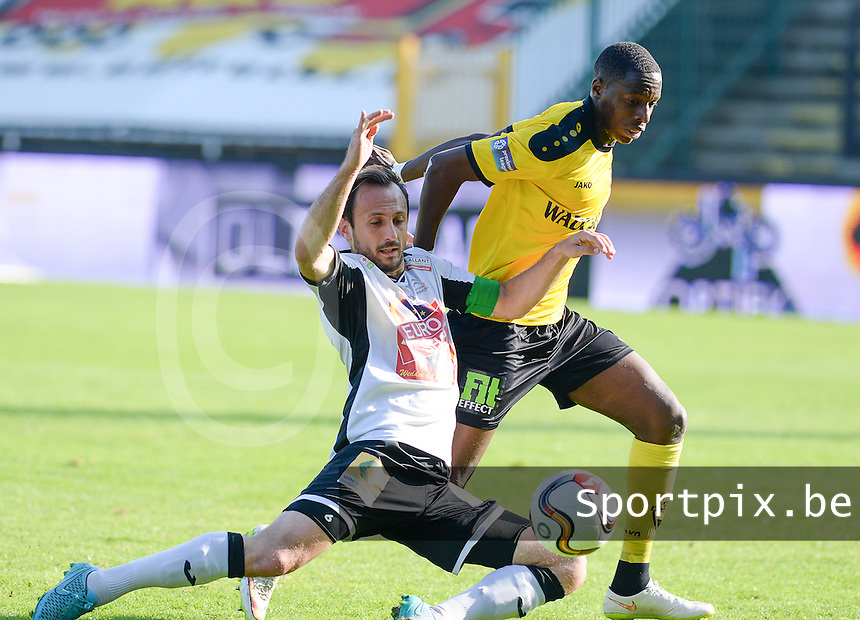 20151011 - ROESELARE, BELGIUM: Lierse's Alassane Meba Diaby (right) pictured in a duel with Roeselare's Mickael Seoudi (left) during the Proximus League match between KSV Roeselare and WD Lierse SK , in Roeselare , Sunday 11 October 2015, on the 10th day of the Belgian second division soccer championship. PHOTO DAVID CATRY