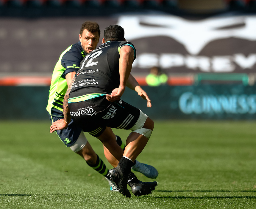 Leinster's Zane Kirchner under pressure from Ospreys' Josh Matavesi <br /> <br /> Photographer Simon King/CameraSport<br /> <br /> Guinness PRO12 Round 19 - Ospreys v Leinster Rugby - Saturday 8th April 2017 - Liberty Stadium - Swansea<br /> <br /> World Copyright &copy; 2017 CameraSport. All rights reserved. 43 Linden Ave. Countesthorpe. Leicester. England. LE8 5PG - Tel: +44 (0) 116 277 4147 - admin@camerasport.com - www.camerasport.com