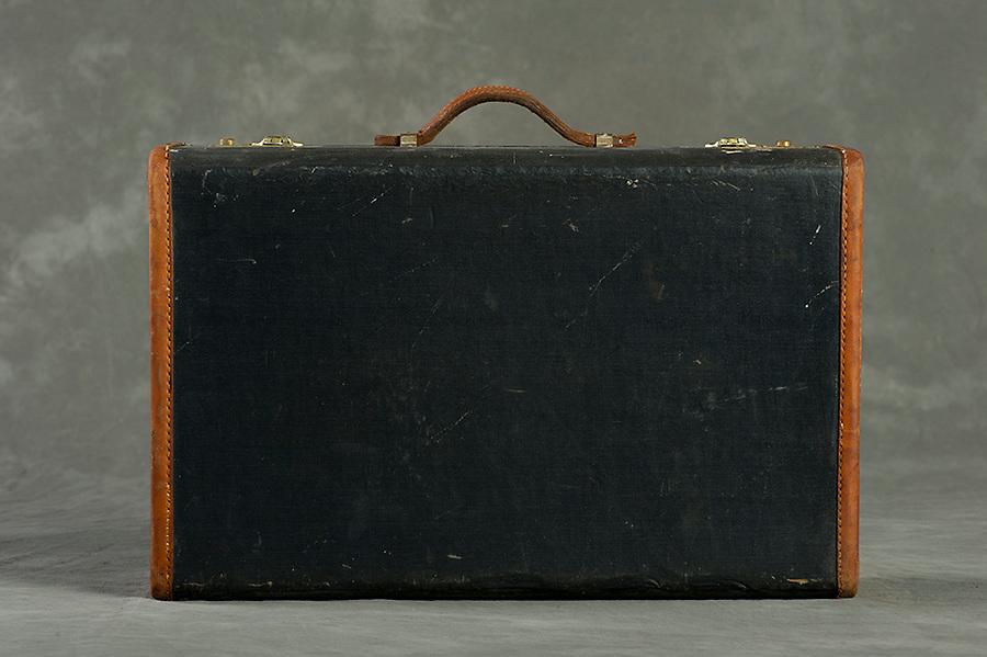 Willard Suitcases / Herman H / ©2013 Jon Crispin