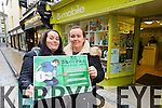 Sisters Aisling and Edel Powell who started queuing for Ed Sheeran tickets at B Mobile in Tralee on Wednesday morning.