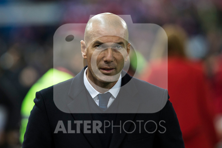 Real Madrid's coach Zinedine Zidane during the match of La Liga between Atletico de Madrid and Real Madrid at Vicente Calderon Stadium  in Madrid , Spain. November 19, 2016. (ALTERPHOTOS/Rodrigo Jimenez)
