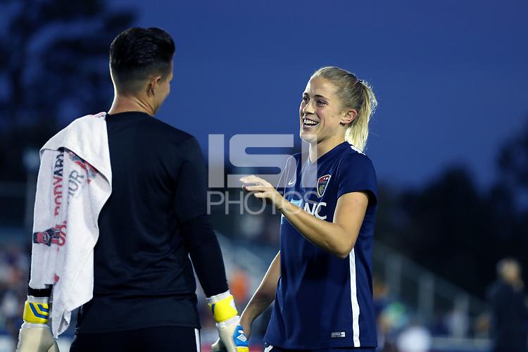 Abby Dahlkemper, Ashlyn Harris | International Sports Images