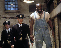 The Green Mile (1999) <br /> Tom Hanks, Michael Clarke Duncan &amp; Jeffrey DeMunn<br /> *Filmstill - Editorial Use Only*<br /> CAP/KFS<br /> Image supplied by Capital Pictures