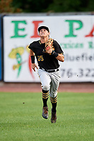Bristol Pirates right fielder Conner Uselton (25) tracks a fly ball during the second game of a doubleheader against the Bluefield Blue Jays on July 25, 2018 at Bowen Field in Bluefield, Virginia.  Bristol defeated Bluefield 5-2.  (Mike Janes/Four Seam Images)