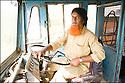 2006- Inde- désert du Rajasthan, chauffeur de bus.