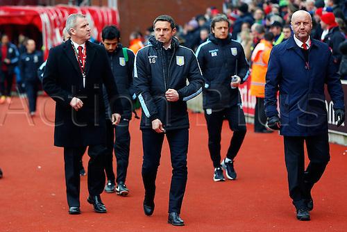 27.02.2016. Britannia Stadium, Stoke, England. Barclays Premier League. Stoke City versus Aston Villa. Aston Villa Manager Remi Garde walks to the dugout