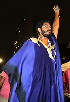 """ATENÇÃO EDITOR: FOTO EMBARGADA PARA VEÍCULOS INTERNACIONAIS. - SAO PAULO, SP, 21 DE OUTUBRO 2012 -  O Ato Público de cunho político social """"Existe Amor em SP"""" Reuniu milhares de jovens que foram a praça Franklin Roosevelt, para participar e assistir aos shows como o do rapper Criolo nesse domingo 21 (FOTO:  LEVY RIBEIRO / BRAZIL PHOTO PRESS)."""