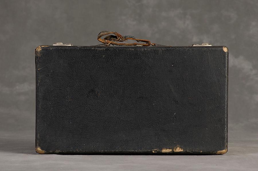 Willard Suitcases / William S / ©2014 Jon Crispin