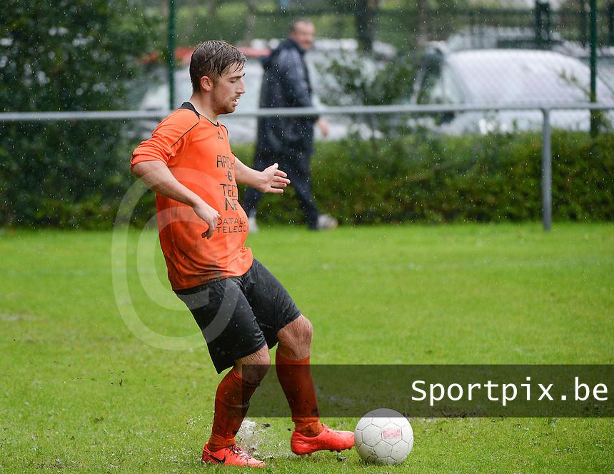 SV Loppem  :  Alex Patris <br /> Foto VDB / Bart Vandenbroucke